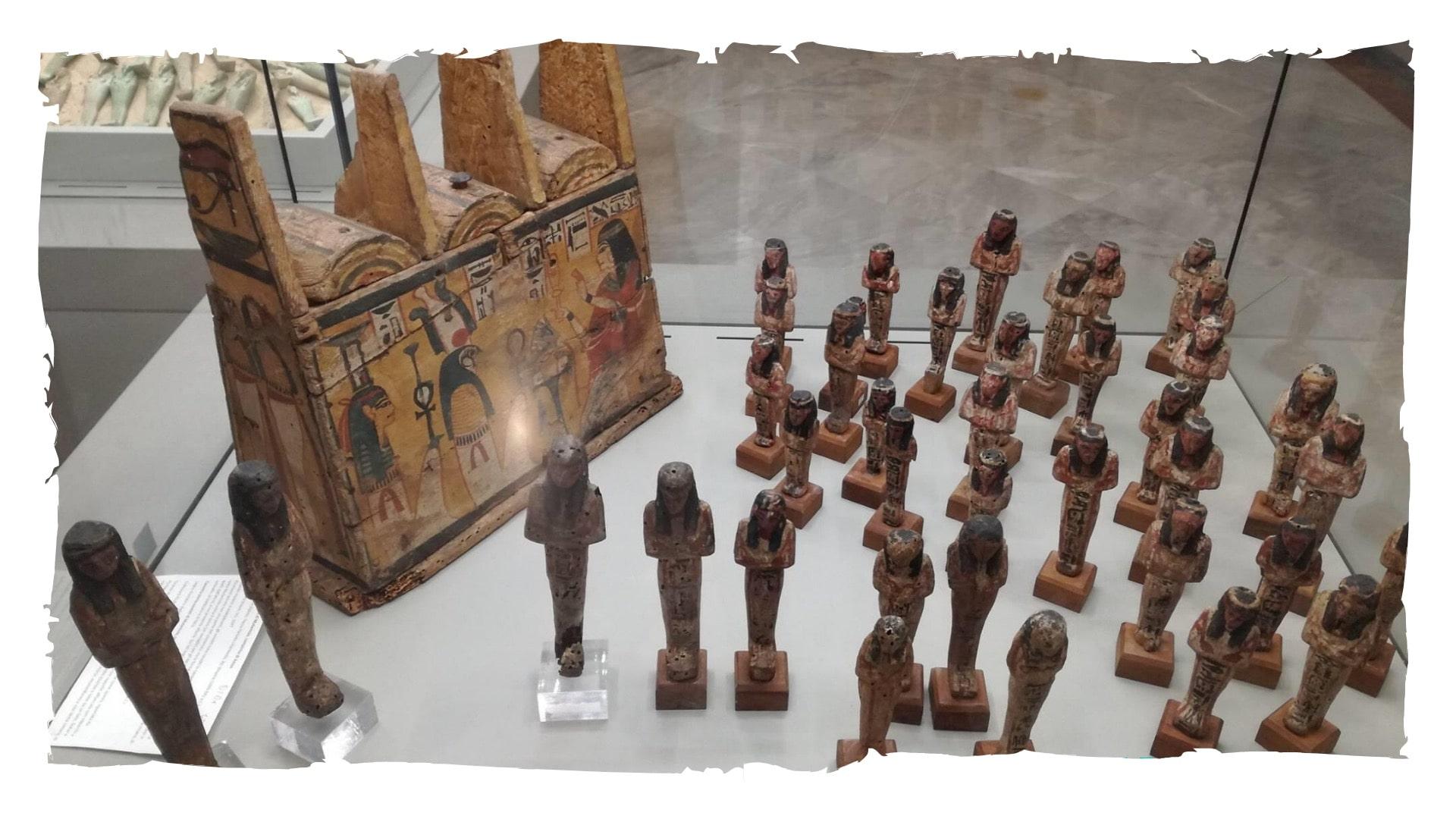 La sezione egizia di Napoli
